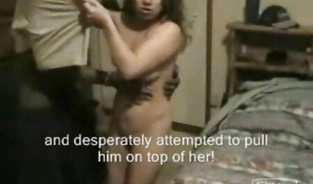 पूर्व छात्रों में से एक कॉलेज से घर लौटने और द्वारा फुल इंग्लिश मूवी सेक्सी एक एकल के साथ संभोग सुख प्राप्त