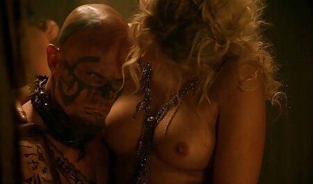 पट्टी सेक्सी इंग्लिश मूवी वीडियो युवा गोरा और कैम, सेक्स के खिलौने में उसे योनि डाल,