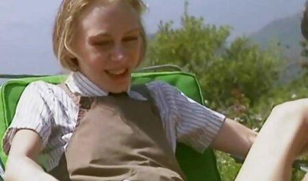 नुकीले हड़पने के लिए और आप एक टोपी देने के लिए दूसरे पक्ष इंग्लिश फुल सेक्सी मूवी पर एक तितली टैटू के साथ जवान औरत