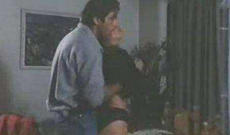 लैटिना, हस्तमैथुन, बाथरूम में एक सेक्सी मूवी वीडियो इंग्लिश आदमी
