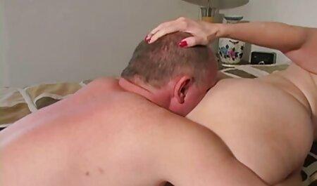 लड़के झटका नौकरी शुरू करने और पुराने काले प्लग करने के लिए प्रति बैरल धक्का, इंग्लिश सेक्सी वीडियो एचडी फुल मूवी