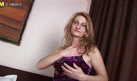 रूसी पुरुषों, सीढ़ियों पर इंग्लिश सेक्सी मूवी ऑनलाइन मोज़ा में महिलाओं