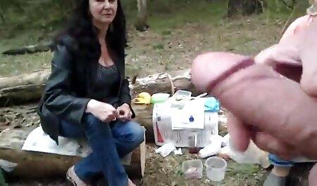 सफेद शर्ट में महिला, एक साक्षात्कार में एक मुर्गा सेक्सी इंग्लिश मूवी सेक्सी इंग्लिश मूवी के साथ मालिक को खुश