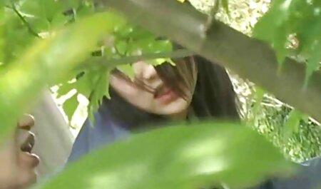 एक सेक्सी मूवी वीडियो इंग्लिश औरत तेंदुए की पोशाक की तरह पुरुषों और योनि में उसे चाकू मारा