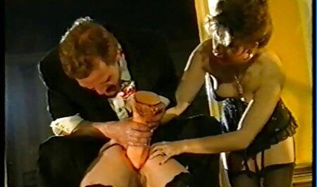 अपने दोस्तों को सुनने जबकि मैन बिंदु काले कंधे चौड़ाई के लिए इंग्लिश मूवी सेक्सी वीडियो एक बोल्ट डालने