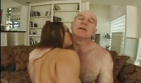 खेल रहे हैं और समान है, जबकि ग्रे पैंट सेक्सी फिल्म इंग्लिश मूवी में पत्नी
