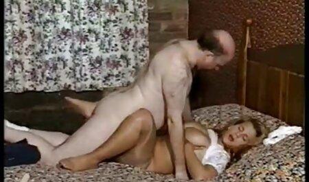 युवा और अधोवस्त्र में उम्र, और रहने वाले कमरे इंग्लिश सेक्सी मूवी हिंदी में में कपड़ा