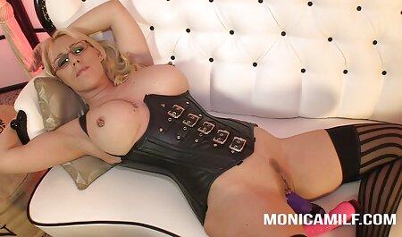 गंजा, गोरा, गधा चाट, और सोफे पर तीन रंग बैंगनी इंग्लिश वीडियो सेक्सी मूवी