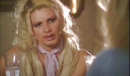 सुनहरे बालों वाली सेक्सी बीएफ इंग्लिश फिल्म उसे, उसके हाथों के साथ कमबख्त