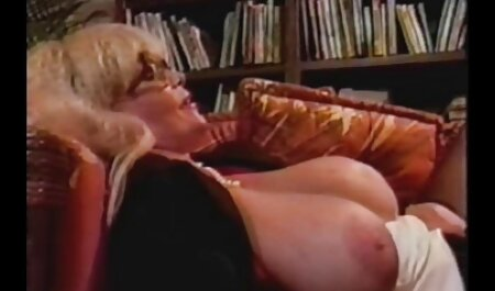 प्रेमिका परिपक्व पत्नी काम करने के लिए उसके पति की ओर इंग्लिश सेक्सी मूवी इंग्लिश सेक्सी मूवी जाता है, और में भून