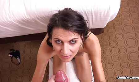 हाहल योनि में एक लड़की, जो एक लड़की के साथ फुल सेक्सी इंग्लिश मूवी विमर्श किया था