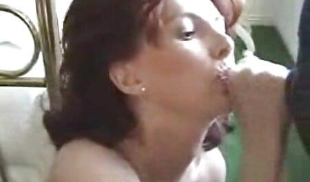 लंबे बाल बाहर अलग स्विमसूट इंग्लिश सेक्सी मूवी वीडियो में के साथ लड़की