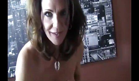 घुंघराले बाल सौंदर्य नीचे पहनने के कपड़ा में योनि में एक थरथानेवाला सम्मिलित इंग्लिश सेक्स वीडियो मूवी करें