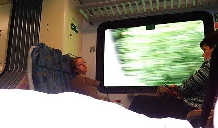 ग्राहकों इंग्लिश पिक्चर सेक्सी मूवी को टोपी में एक हवाई गद्दे पर एक मालिशिया पेंच