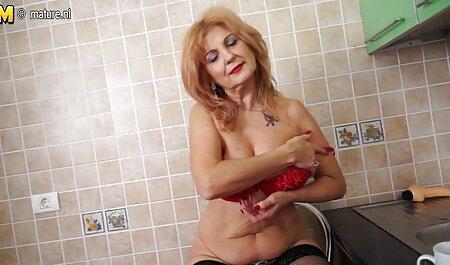 गुलाबी बालों के साथ लोनली लड़की हस्तमैथुन, वेब कैमरा से इंग्लिश सेक्स मूवी फिल्म पहले सेक्स के लिए उपयोग करने के लिए