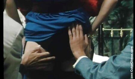 मोज़ा में महिला और मुर्गा पर बैठता है इंग्लिश सेक्सी मूवी हिंदी